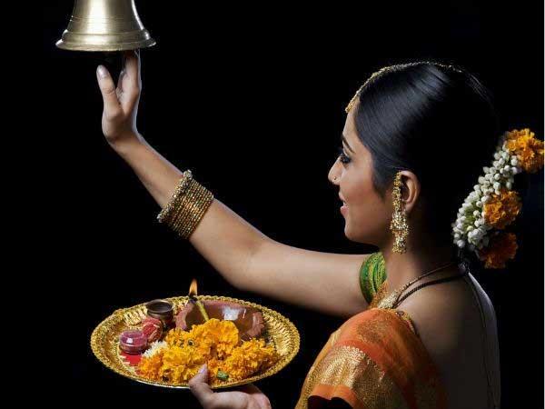 पूजा में घंटी बजाने से होते हैं ये लाभ
