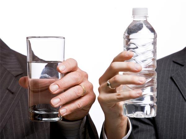 गर्म या ठंडा पानी, जानिए सेहत के लिए क्या है फायदेमंद