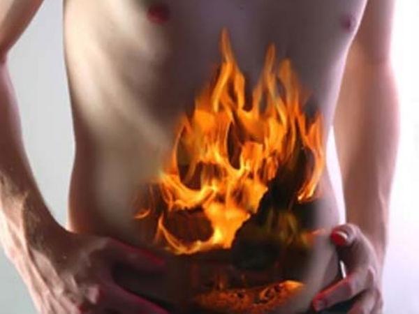 अचानक से पेट में क्यूं बढ़ जाती है एसिड की मात्रा?