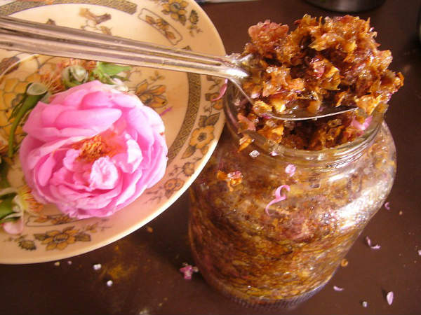 Health Benefits of Gulkand or Rose Petal Jam