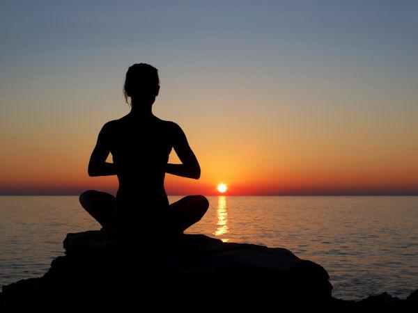 चमत्कारिक लाभ पाने के लिए सही तरीके से करें सूर्य पूजा