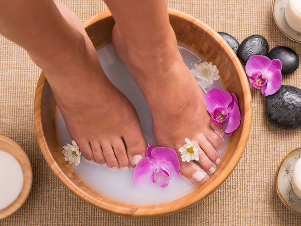 TOP HOME REMEDIES TO GET SOFT AND BEAUTIFUL FEET