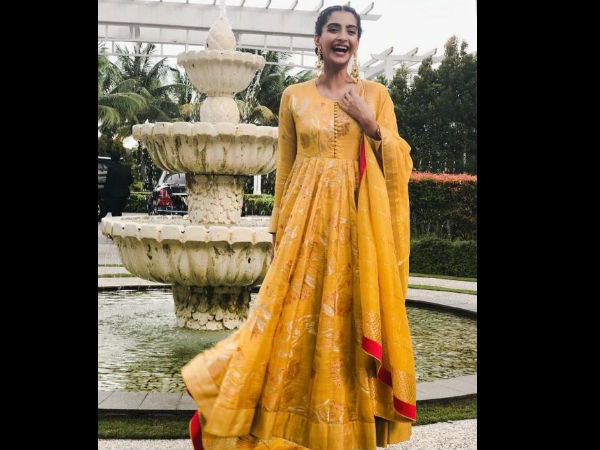 Sonam Kapoor opts for a traditional Indian look in Indonesia