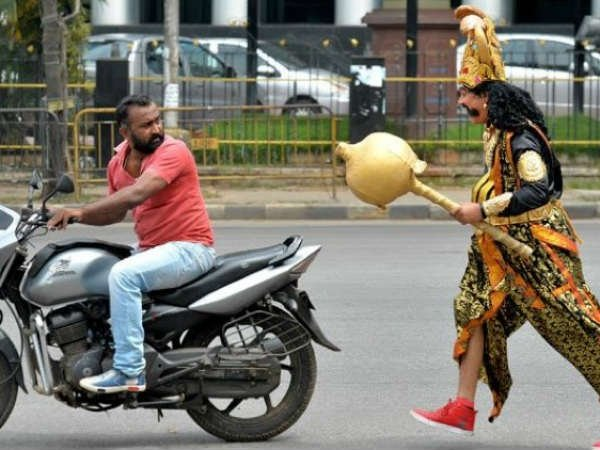 When traffic police dressed up like yamraj