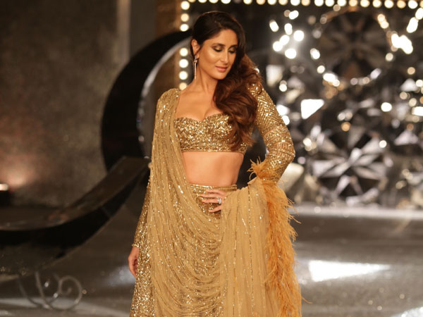 kareena-kapoor-looks-breathtaking-30-kg-gold-lehenga