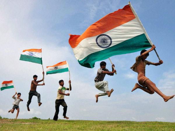 15 अगस्त स्वतंत्रता दिवस: सेहत और सम्मान के लिए इस बार नहीं होगा प्लास्टिक तिरंगों का इस्तेमाल