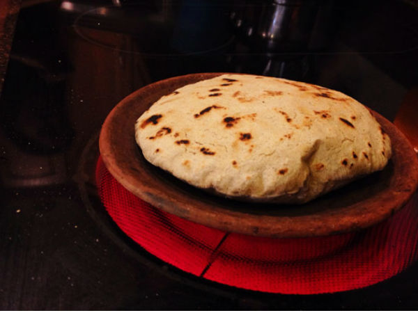 benefit of making roti on traditional clay tawa