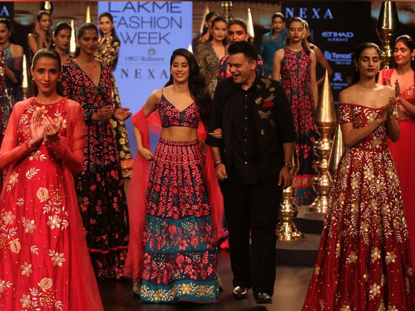 Jhanvi Kapoor WALKS the ramp in Lakme Fashion Week for the FIRST time