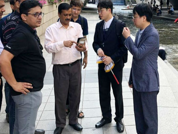 Delhi CM Arvind Kejriwals New Look on foreign trip in Seoul is going Viral