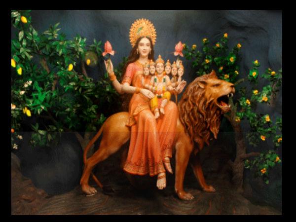 शारदीय नवरात्रि 2018: पांचवें दिन करें देवी स्कंदमाता की पूजा, होगी मोक्ष की प्राप्ति