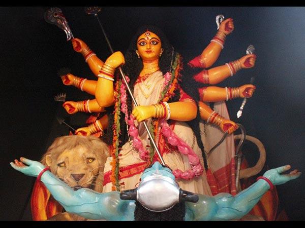 शारदीय नवरात्रि 2018: तीसरे दिन करें देवी चंद्रघंटा की पूजा, होगा सभी कष्टों का निवारण
