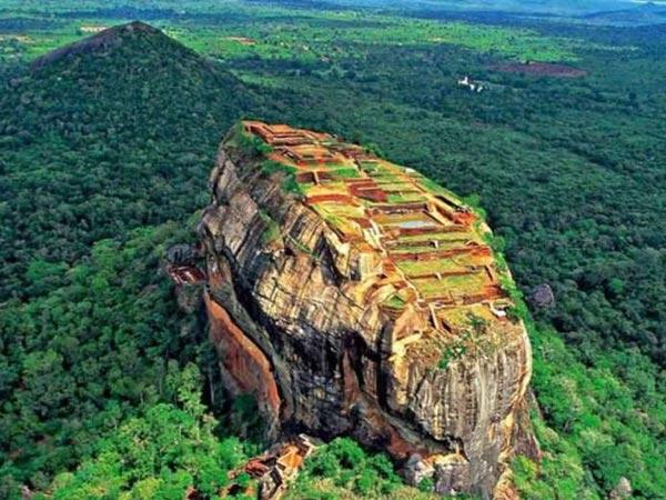 श्रीलंका के इस गुफा में 10,000 साल बाद मिला रावण का शव, जाने पूरा सच