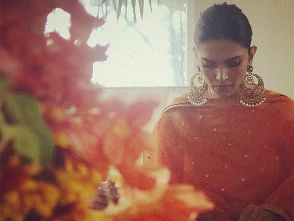 deepika-padukone-starts-wedding-celebrations-with-family-puja