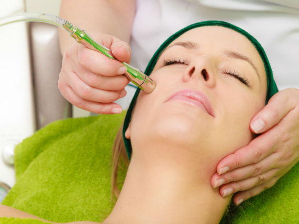 Everything You Need to Know About Microcurrent Facial