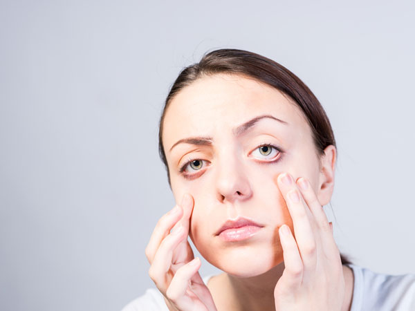 Get Rid Of Saggy Eyelids In Just 2 Minutes