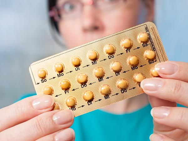 सिर्फ अनचाहे गर्भ से ही नहीं बचाती है गर्भनिरोधक गोलियां,  मुंहासे को भी करती है दूर