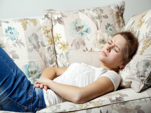 पीरियड में बैठने पर होता है भयंकर दर्द, कहीं आपको ये बीमारी तो नहीं