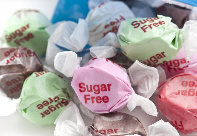 शुगर फ्री के नाम पर कही स्लो पॉइजन तो नहीं खा रहे हैं आप, जाने इसके साइड इफेक्ट्स