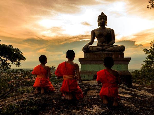 महावीर जयंती 2019: जानें मोक्ष पाने वाले भगवान महावीर के सिद्धांत