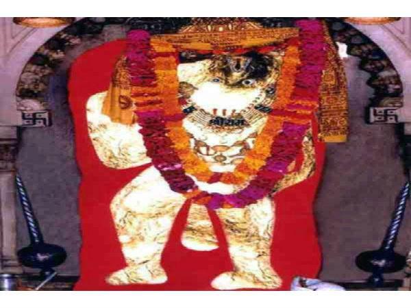 हनुमान जयंती: धन-दौलत या कामयाबी, अलग अलग विधि से हनुमान की पूजा करेगी हर मनोकामना पूरी