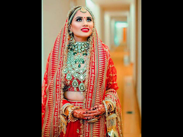 This Bride Wore The Same Sabyasachi Lehenga As Worn By Deepika Padukone for her Sindhi Wedding