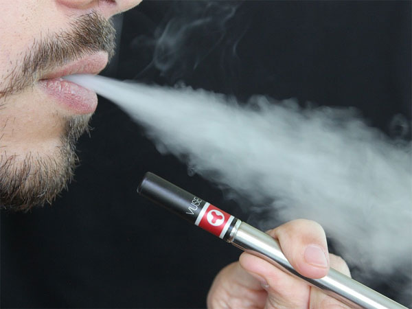 PEOPLE USING E-CIGARETTES TO QUIT SMOKING: STUDY