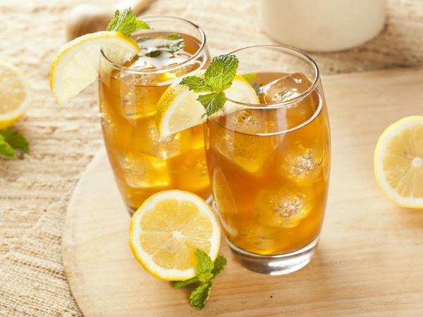 गर्मी में आईस टी पीने के फायदे, इन लोगों को पीने से करना चाहिए परहेज