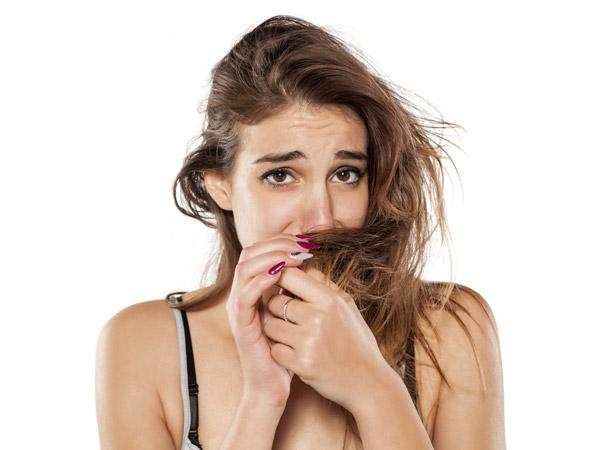 शैम्पू करने के बाद भी बालों से आती है बदबू तो आपको है ये सिंड्रोम, जाने इसकी वजह