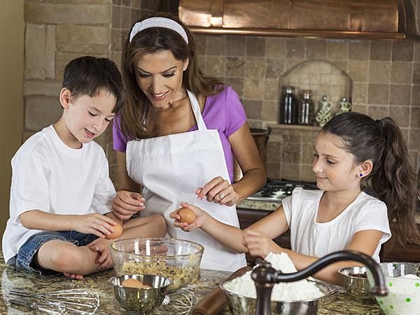 घर का काम करने वाले बच्चे होते हैं ज्यादा सफल, बनते हैं टीम लीडर