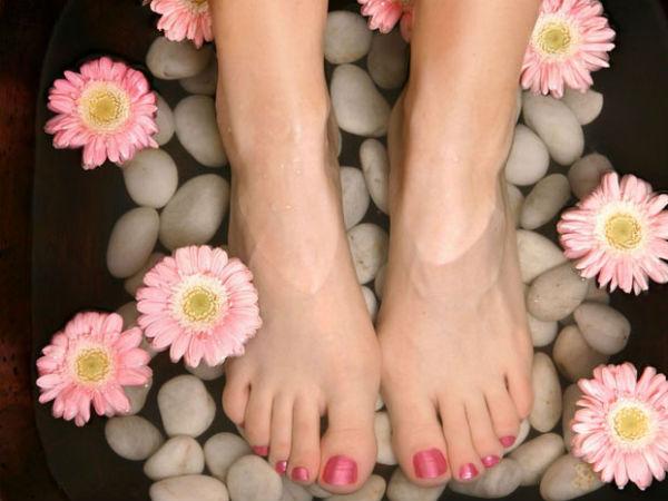 मानसून में पैरों को स्वस्थ रखने के लिए घर पर बनाएं पैक
