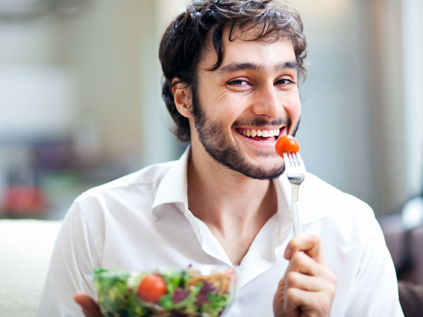 Weight Loss Tips: Eat Alone To Eat Less, Says Study