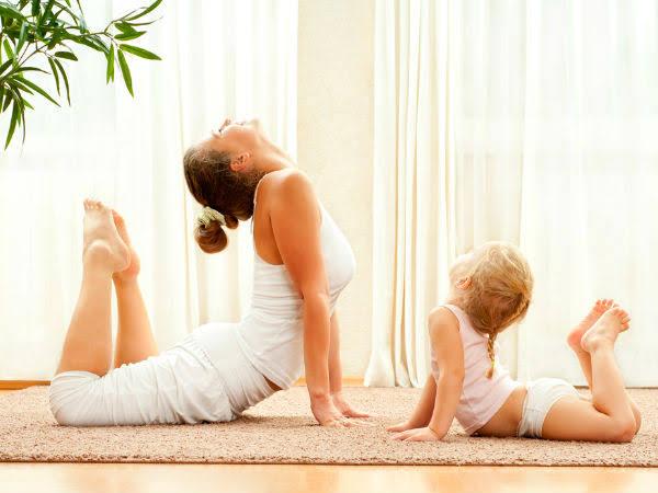 छोटे बच्चों को बनाना है तंदुरुस्त, तो जरूर सिखाएं योगा