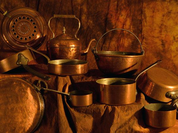 कांसे के बर्तन में खाना बनना और खाने से होते है बेमिसाल फायदे, कई बीमारियां रहती है दूर