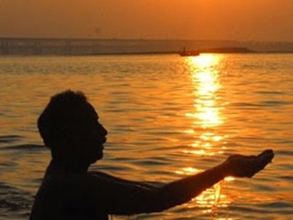 अगर चाहते हैं बरसे विष्णु-शिव का आशीर्वाद तो मौनी अमावस्या पर कर लें ये आसान उपाय