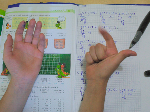 Kids who do maths by counting on their fingers turn out smarter, say studies!