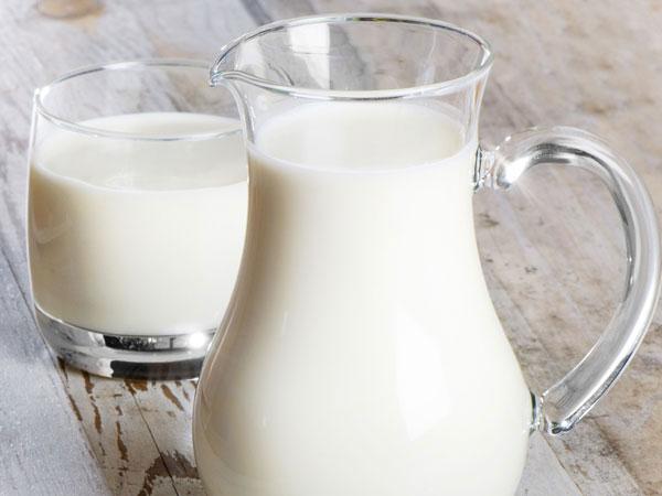 जिनको नहीं होता है दूध हजम, वे अपनाएं ये आयुर्वेदिक उपाय