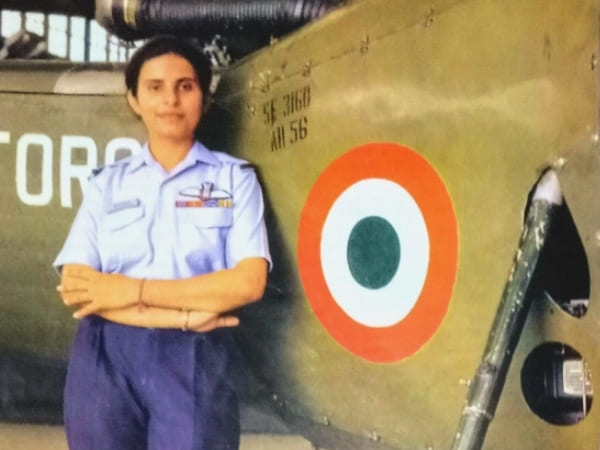 Who is Gunjan Saxena The Kargil Girl