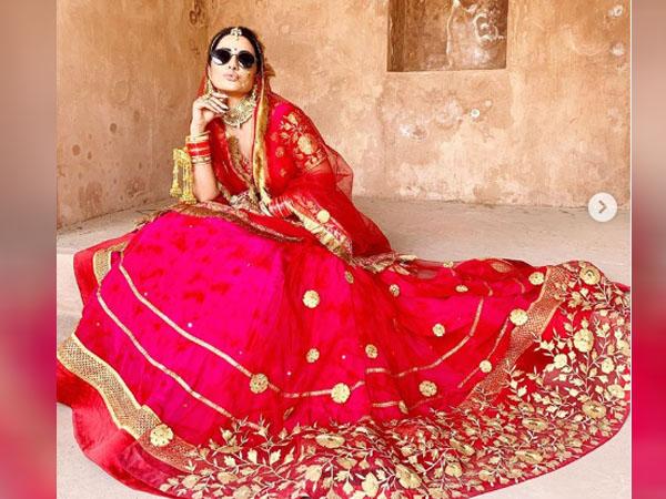 हिना खान का राजस्थानी दुल्हन लुक इंटरनेट पर छाया, खूबसूरत ज्वैलरी और आउटफिट से फैंस को किया इंप्रेस