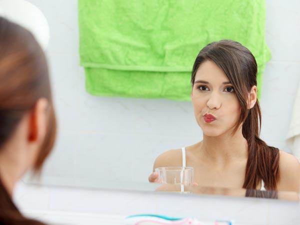 Oral Health: मुंह की सफाई के लिए करें माउथवॉश का  इस्तेमाल, घर पर करें तैयार