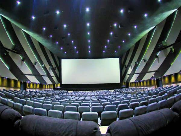 आज से खुल रहे हैं सिनेमा हॉल, मूवी देखने से पहले ध्यान रखें ये जरूरी बातें