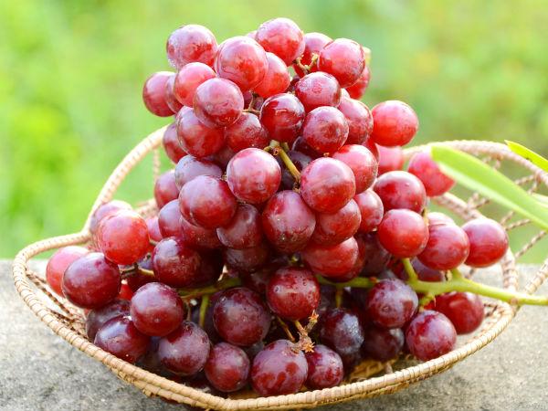 लाल अंगूर खाने से होते है कई फायदे, किडनी और कैंसर जैसी बीमारी से दूर रखें