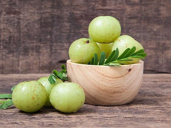 आंवले का सेवन एयर पॉल्यूशन से बचाता है, जाने दिन में कब और कितनी बार खाएं