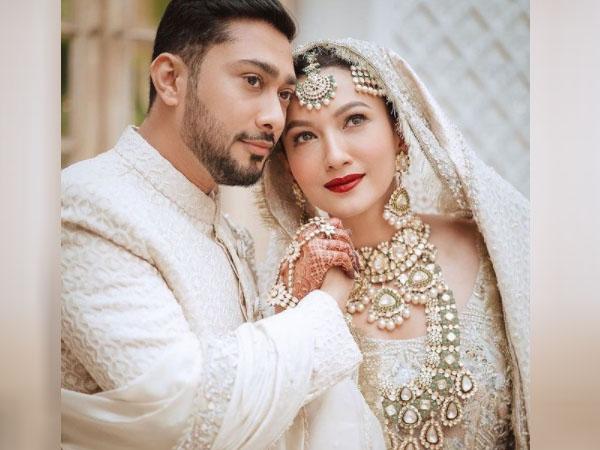 गौहर खान का जैद दरबार से हुआ निकाह, देखें दूल्हे और दुल्हन का रॉयल वेडिंग आउटफिट्स
