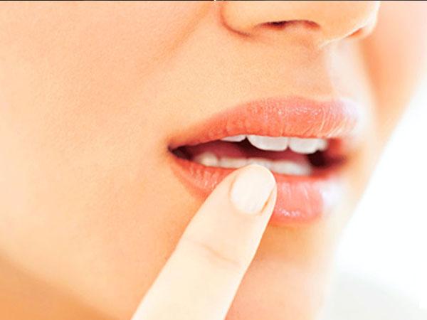 पिंक और मुलायम होठों के लिए इस्तेमाल करें होममेड लिप बाम, जानें इसे बनाने का तरीका