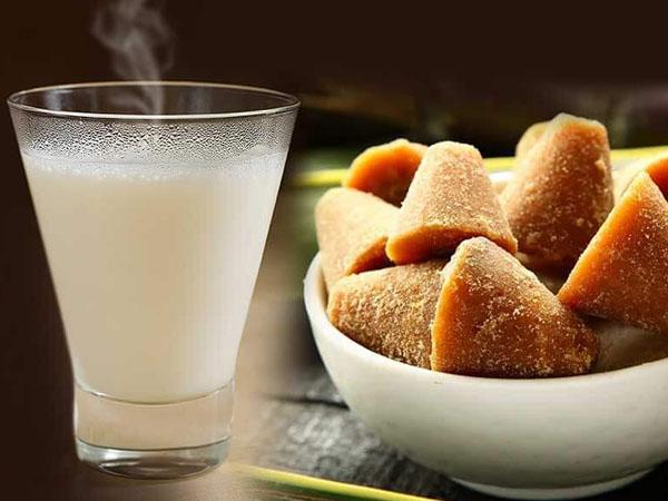 ठंड के मौसम में चमकदार और जवां स्किन के लिए अपनी डाइट में शामिल करें गुड़ वाला दूध