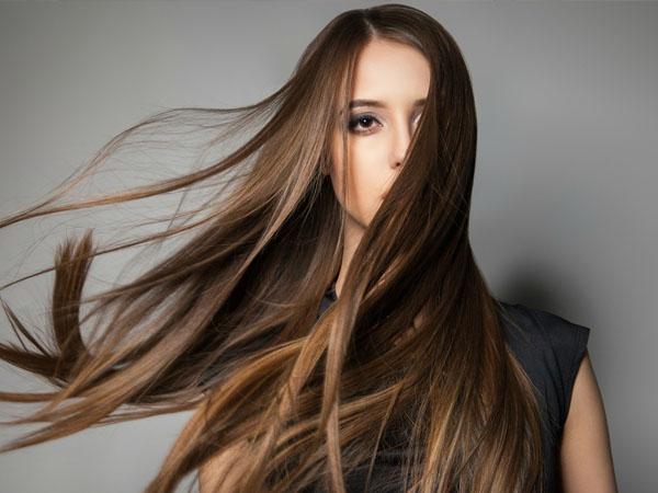 सिल्की और घने बालों के लिए डाइट में शामिल करें ये विटामिन