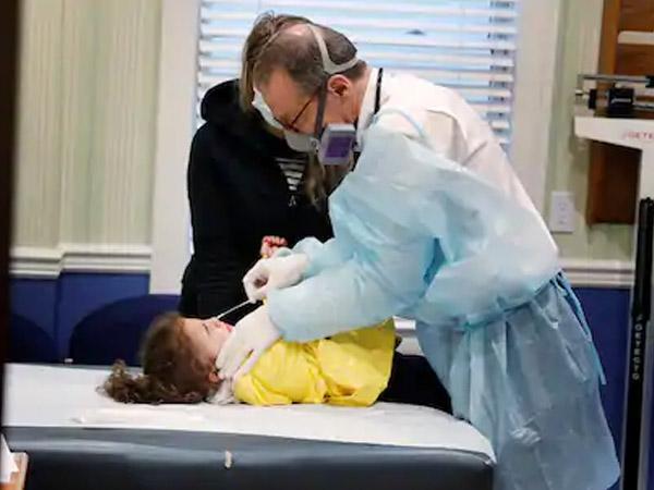 बच्चों को बहुत अधिक नुकसान पहुंचा सकती हैं कोरोना की दूसरी लहर