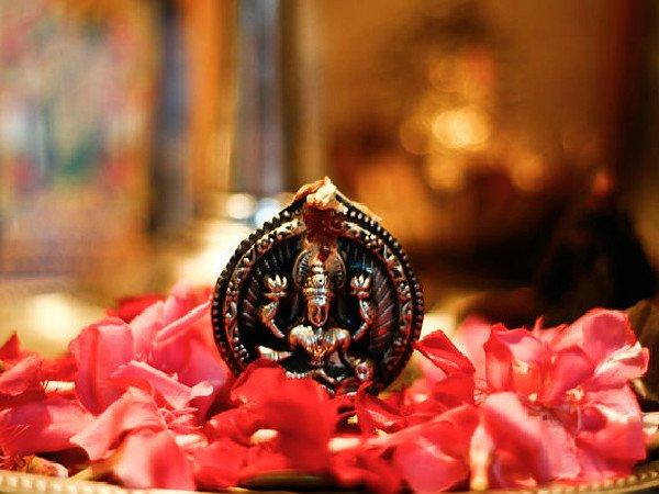 Akshaya Tritiya: पूरे साल चाहते हैं लक्ष्मी माता का आशीर्वाद तो अक्षय तृतीया के दिन न करें ये 7 काम