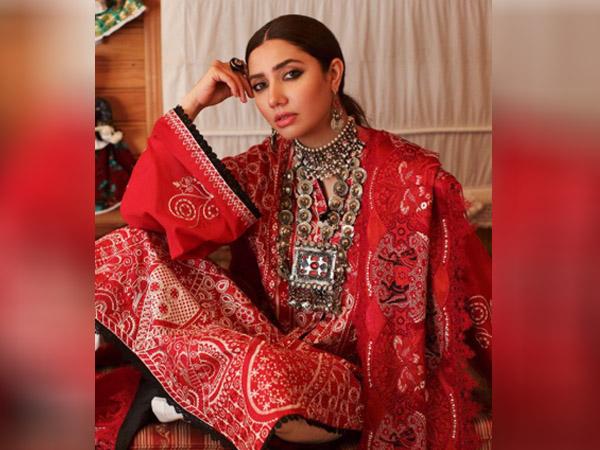 माहिरा खान के इन एथनिक लुक्स से आईडिया लेकर ईद पर खुद को करें तैयार