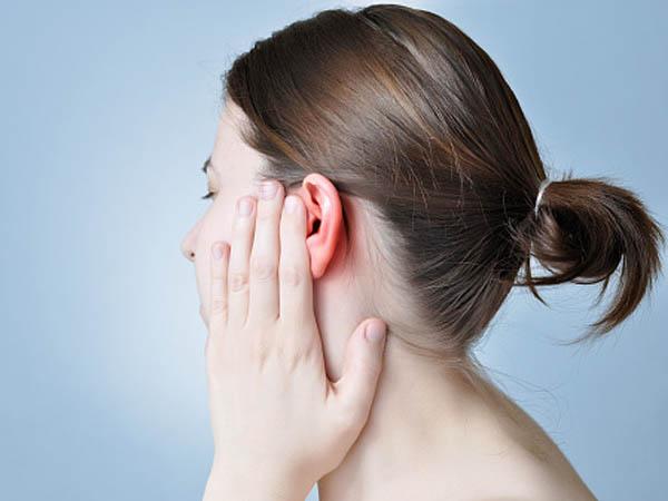 कान गर्म होने पर जानें क्या करें और क्या न करें
